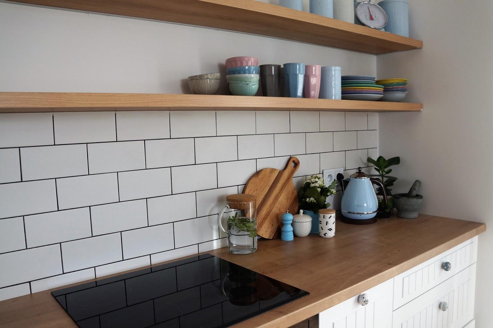 delonghi vintage icona, czajnik błękitny, kuchnia retro, pastelowa kuchnia