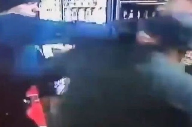 How A White policeman breaks the jaw of A black shop owner who called 911 to Report  A Robbery