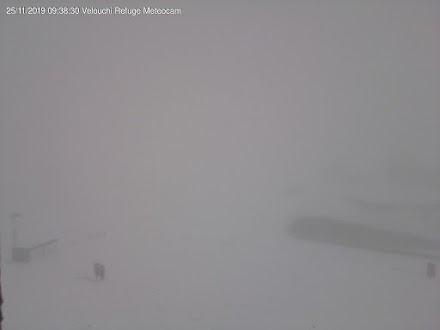 Έπεσαν τα πρώτα χιόνια στο Χιονοδρομικό Κέντρο Καρπενησίου