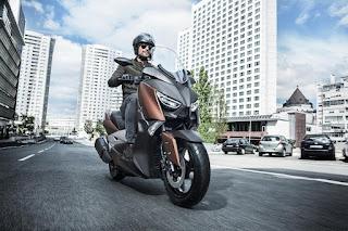 Melihat Yamaha X-MAX 300, Lebih Detail