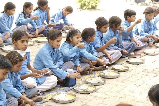 Mid-day meal in Uttar Pradesh