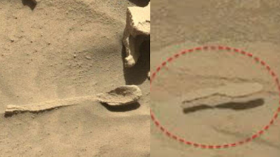 Spoon-and-hoverboard-on-mars