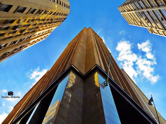 Vista das fachadas de esquina do Antigo Edifício Nossa Caixa - Centro - São Paulo
