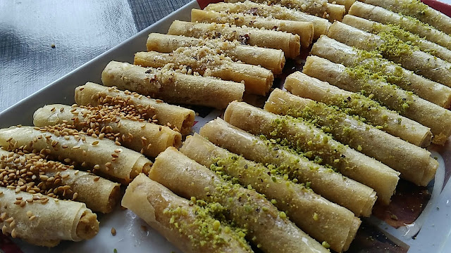 طريقة تحضيرصوابع ملسوقة بالجلجلان و التمر-أكلة تونسية
