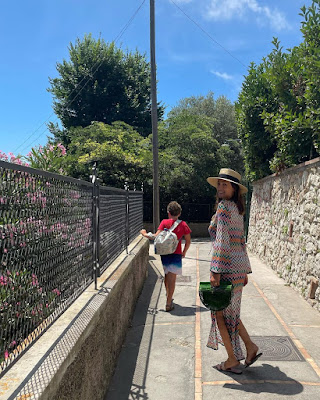 Caterina Balivo abbigliamento di oggi a Capri