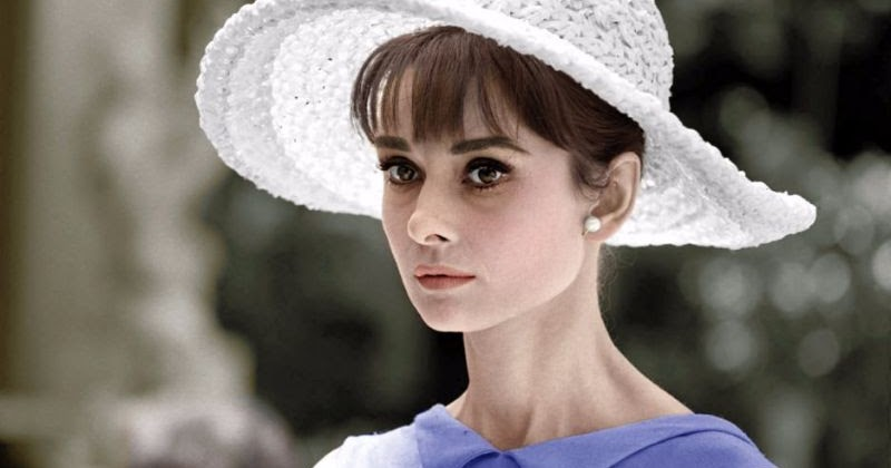 31 Colorful Photos Show Hat Styles That Audrey Hepburn Often Wore From Between the 1950s and '60s