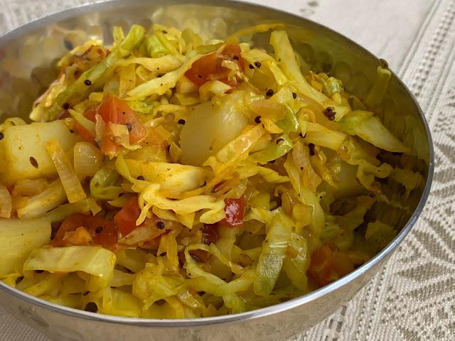 Kobi Bateta nu Shaak or Cabbage and Potatoes