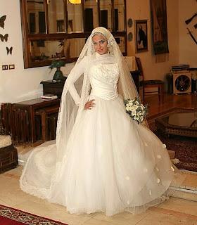 ce6c61f67 فساتين زفاف للمحجبات اوف وايت 2014 _ اجمل فساتين زفاف للمحجبات 2014