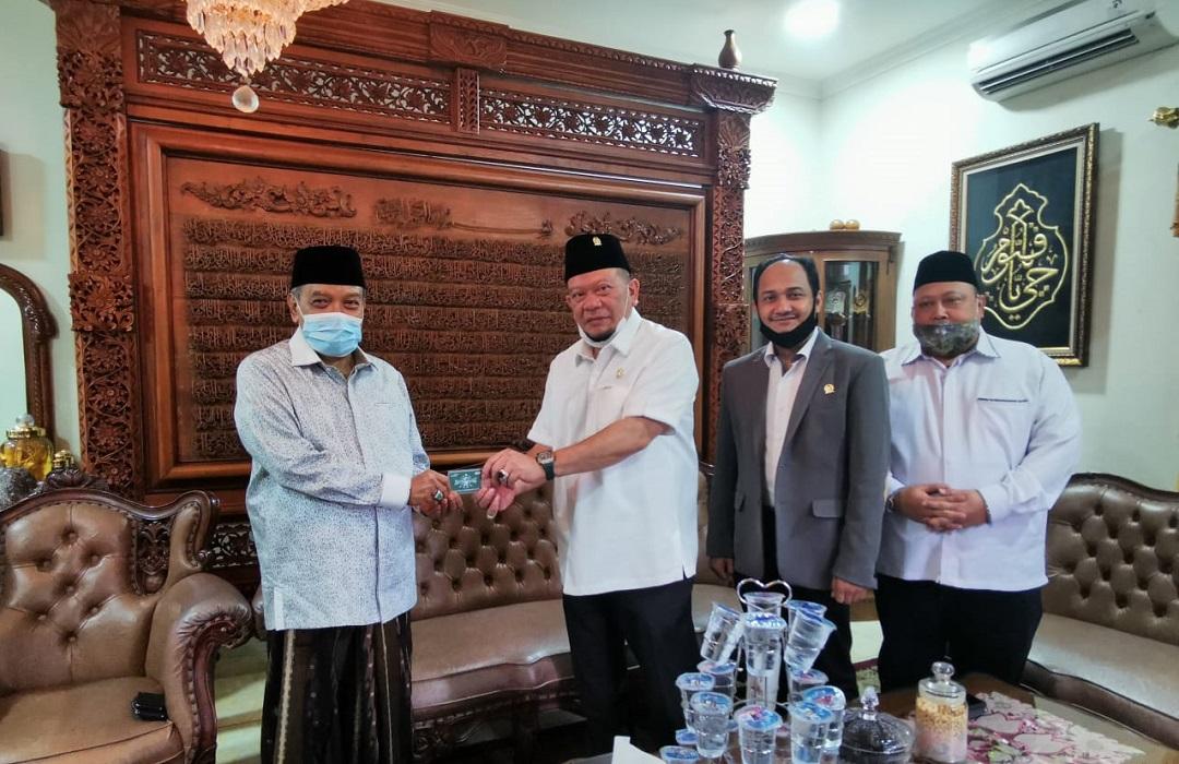 Sowan ke Kediaman Ketum PBNU, Ketua DPD RI LaNyalla dapat KartuNU