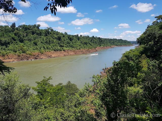 Rio Iguaçu - Fronteira entre o Brasil e Argentina