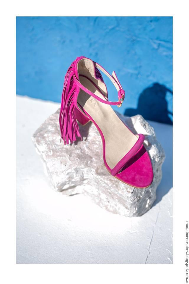 Sandalias de moda mujer verano 2017. Accesorios Clara verano 2017.