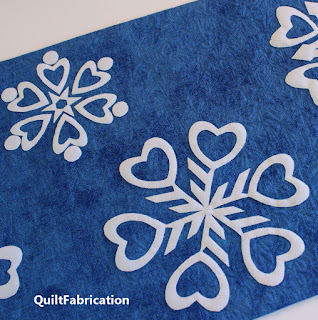 SNOWFLAKES-QUILT PATTERN-WINTER-SNOW-TABLE RUNNER-DECORATION-WHITE