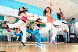 क्या आप भी Dance करने से शर्माते हैं ? आइए आज जानते हैं Dance करने से क्या क्या फायदे होते हैं ।