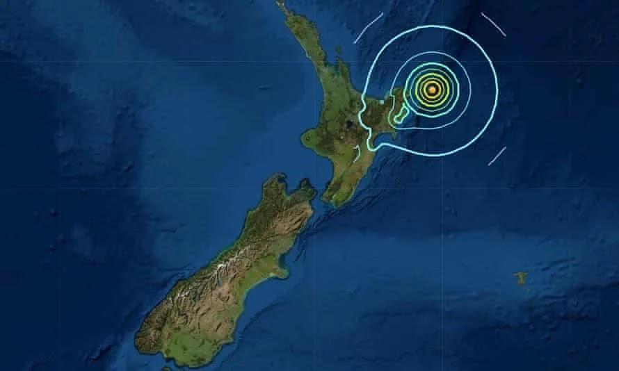 Νέα Ζηλανδία: Συναγερμός για τσουνάμι έως και τρία μέτρα σε όλο τον Ειρηνικό μετά τον σεισμό των 8,1 Ρίχτερ