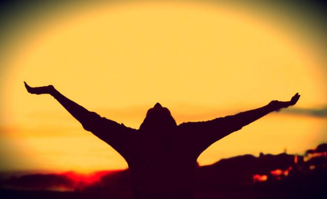 O que a bíblia diz sobre gratidão e como ser grato a Deus