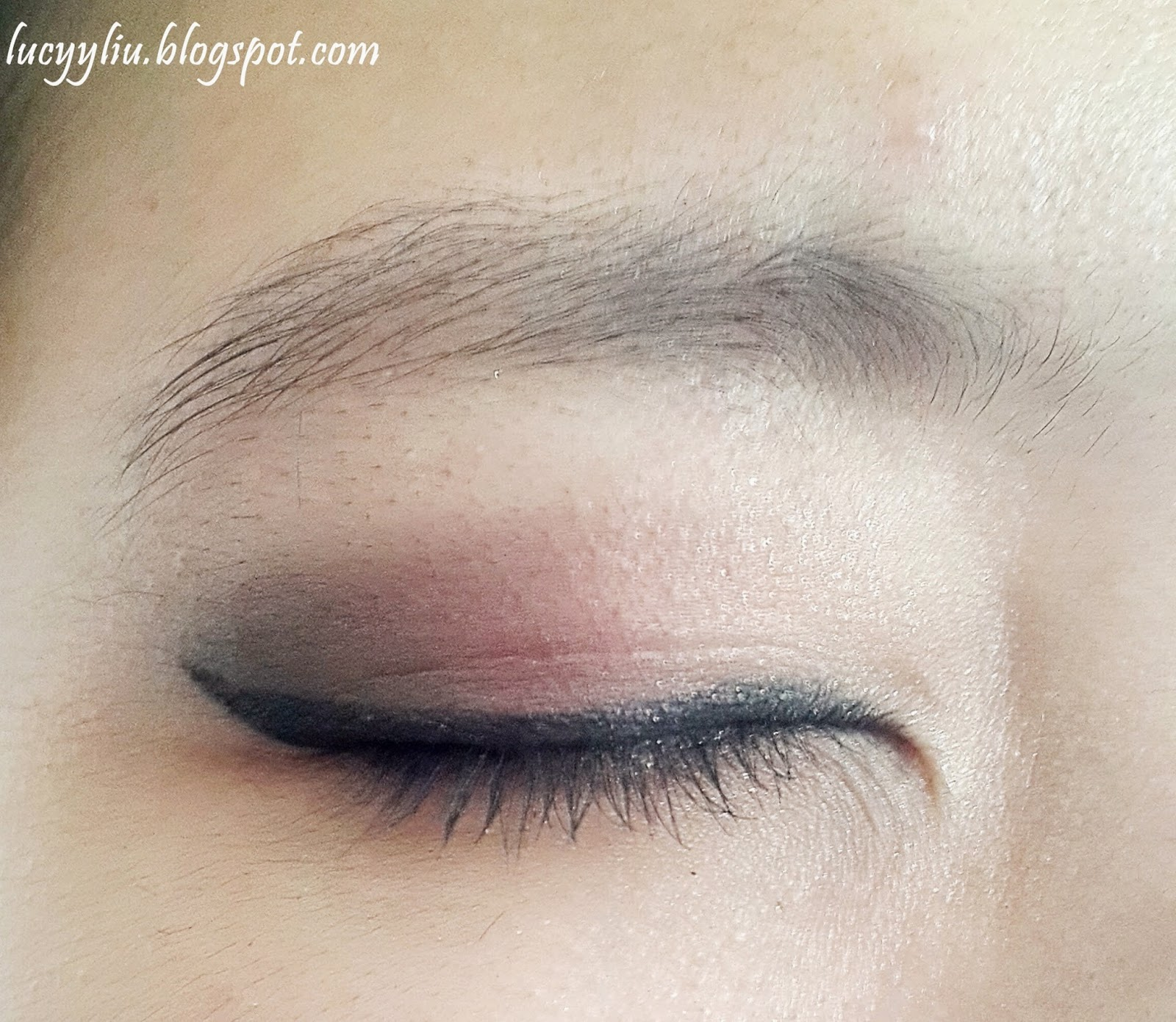 Quick Tutorial For Red Smokey Eye