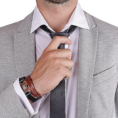http://www.boutique-cuir.fr/maroquinerie-et-accessoires/cravates/cravate-slim-en-cuir-souple.html