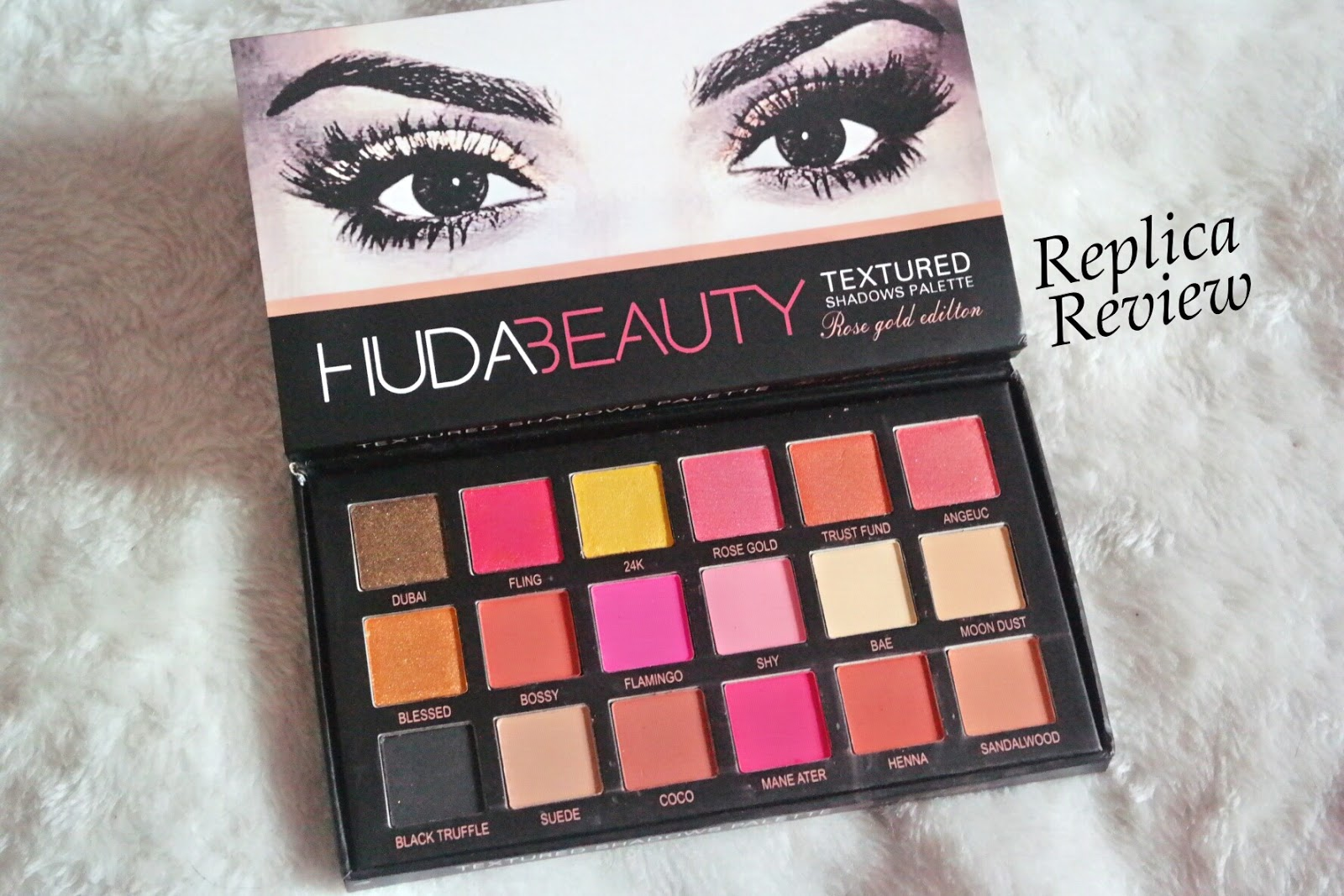 Curly Hair Fashion Beauty Huda Beauty Textured Shadows Palette
