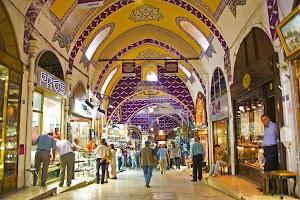 5 Hal Menyenangkan Berburu Oleh-oleh di Grand Bazaar Istanbul Turki