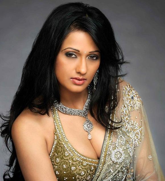 Bollywood Actress Brinda Parekh Latest Hot Stills actressbuzz.com