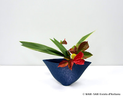 Ikebana-jiyuka-freestyle-wabisai-escola-ikebana