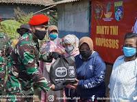 Kopassus Bantu Sembako ke Warga Desa Tulungrejo KWB; Juga Berikan 500 Bibit Pohon