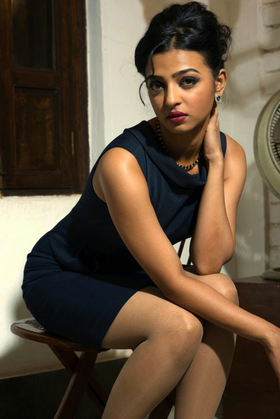 Actress Radhika Apte Stills Hd In Tamil Hindi Bengali -6193