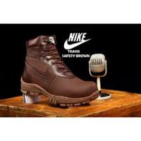 daftar harga sepatu pria terbaru Sepatu Boots Travis Safety Sepatu Pria Kerja Proyek Kulit