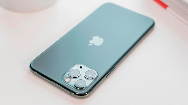 2. iPhone 11 Pro (& 11 Pro Max)