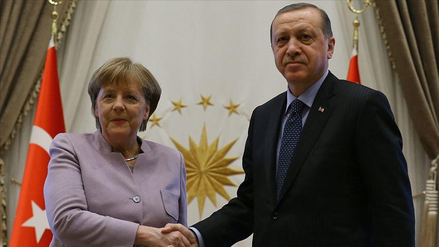 Cumhurbaşkanı,Merkel ile telefon görüşmesi yaptı