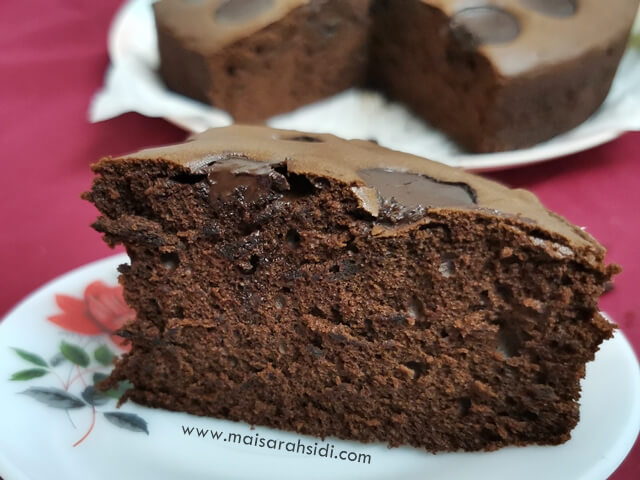 Sponge Milky Chocolate Cake