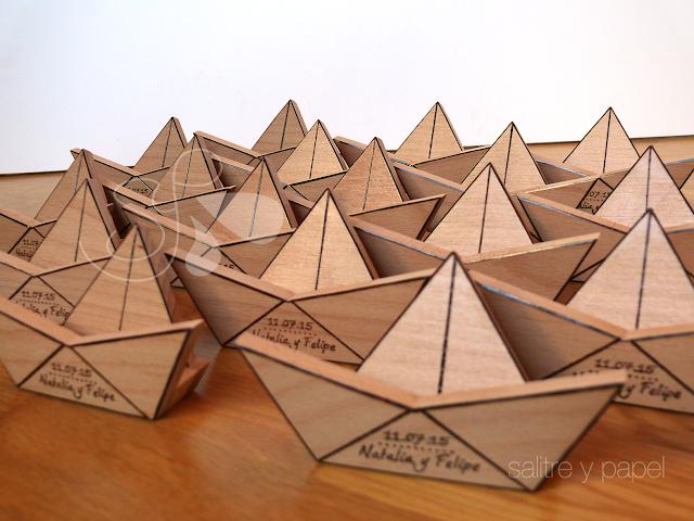 Barco de madera sujeta móvil detalles de boda