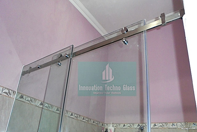 Kaca Tempered Shower