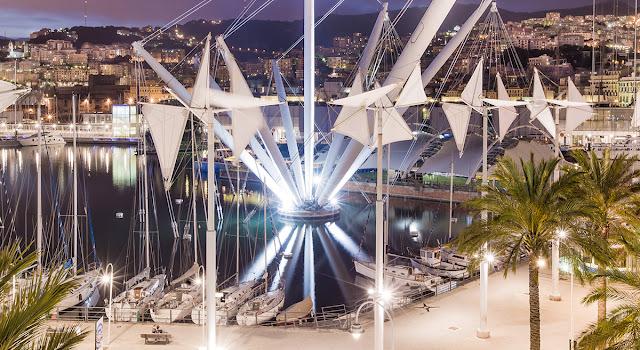 Porto Antigo de Gênova à noite - vista aérea
