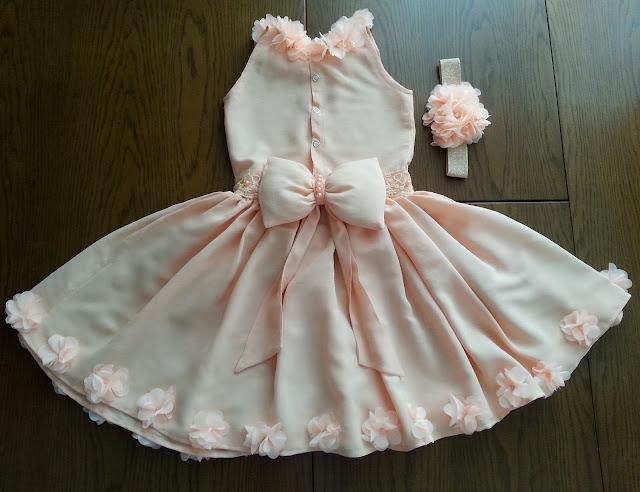 88a9c85799f7d Dolayısıyla hemen planlar değiştirildi ve etek boyu eşit bir elbise diktim.  Bir parça büyük olsa da önümüzdeki sene giyebileceğini düşünüyorum:) 1 yaş  ...