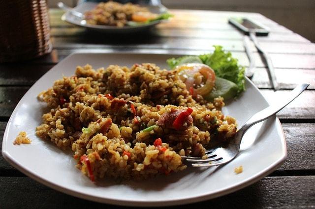 Cara Membuat Nasi Goreng Sederhana Tapi Enak Banget