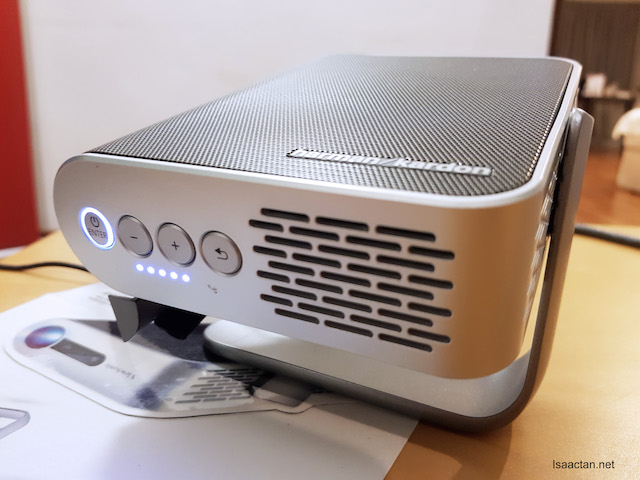 ViewSonic M1 Ultra-Portable LED Projector - Features & Price