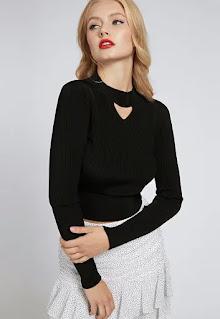 Дамски къс Пуловер с отвори - Guess Jeans