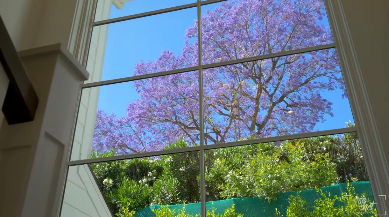 Tour 4639 Balboa Ave, Encino vs. 35 Interior Design Photos