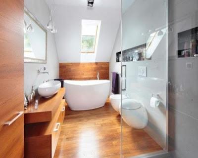 Sàn gỗ tự nhiên phù hợp với không gian nhà tắm.