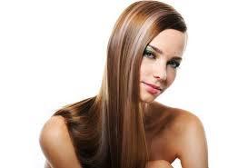 9 φυσικοί τρόποι για να ισιώσετε τα μαλλιά σας