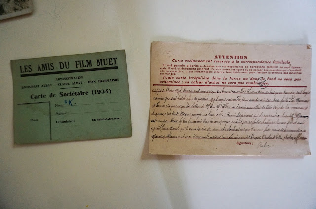 une carte de soutien au film muet ( Les amis du muet 1934 )  une carte postale interzone de 1941
