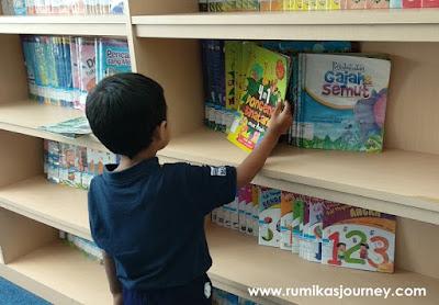 liburan-sekolah-anak-ke-perpustakaan