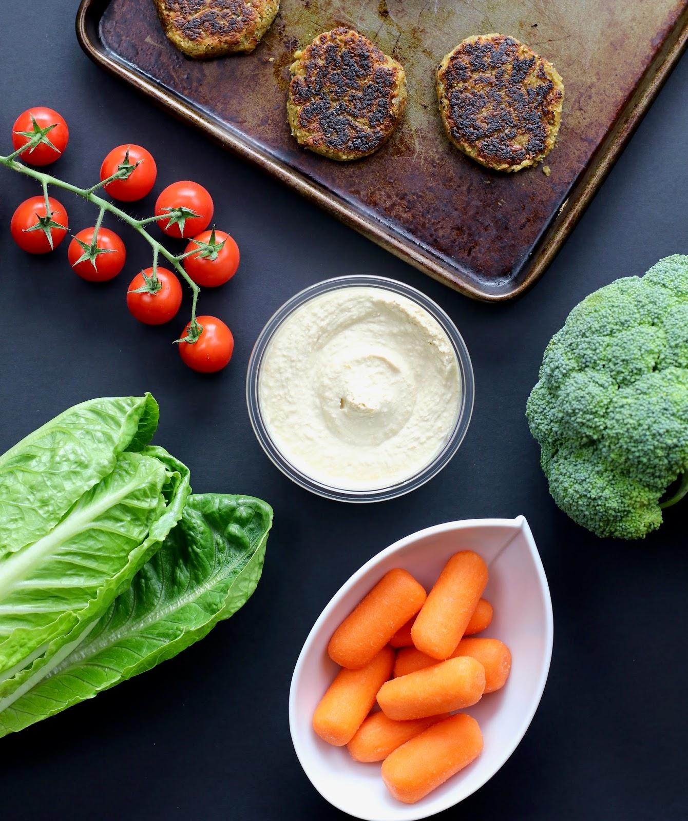 Simple-vegan-falafel-salad-ingredients