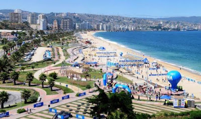 A beach of Viña del Mar, Chile.