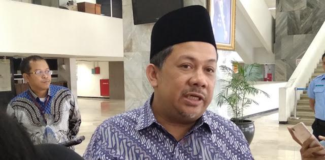 Sambil Menahan Tangis, Fahri Hamzah Merasa Kehilangan Sosok KH Hilmi Aminuddin