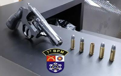 Em Batalha, polícia prende homem por porte ilegal de arma de fogo
