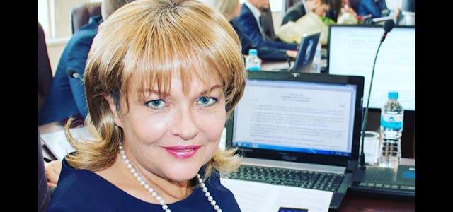 Фанаты испугались за онкобольную Александру Яковлеву, увидев на новом фото, как осунулось её лицо