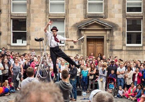 Suspenden Festivales Internacionales de Edimburgo y el Fringe