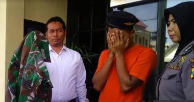 Berbekal Seragam TNI Bekas, Pria Ini Berhasil Ngelabui Wanita Kenalannya Dengan Meminta Sejumlah Uang dan Berhubungan Intim